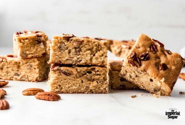 Maple Pecan Blondies