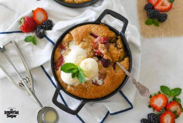 Mini Skillet Berry Cobbler